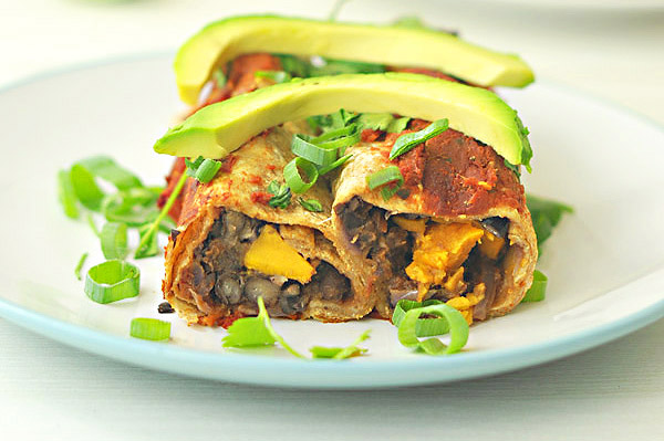 love sweet potatoes and black beans! These vegetarian enchiladas ...